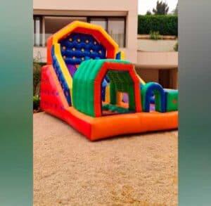 Tobogã Inflável para Locação em Festa Infantil Duplo com Piscina de Bolinhas